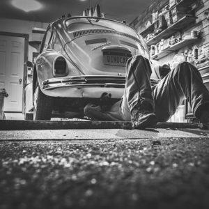 車のメンテナンス