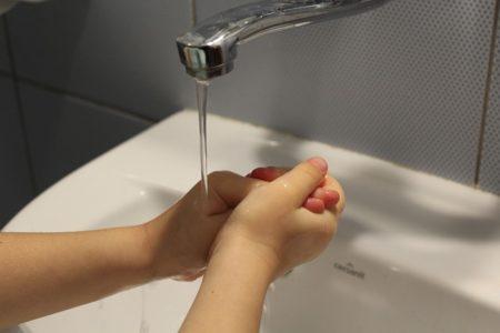 手の洗い方の張り紙,カナダ, 笑い話