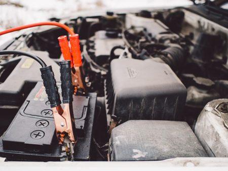 車,バッテリー上がり,原因,対処法