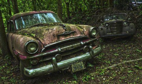 古びた車たち